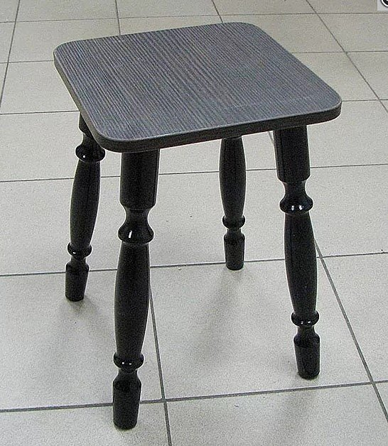 Табурет ЛДСП (ножки дерево, цвет: венге, орех) - 1600 рублей за 2 шт.